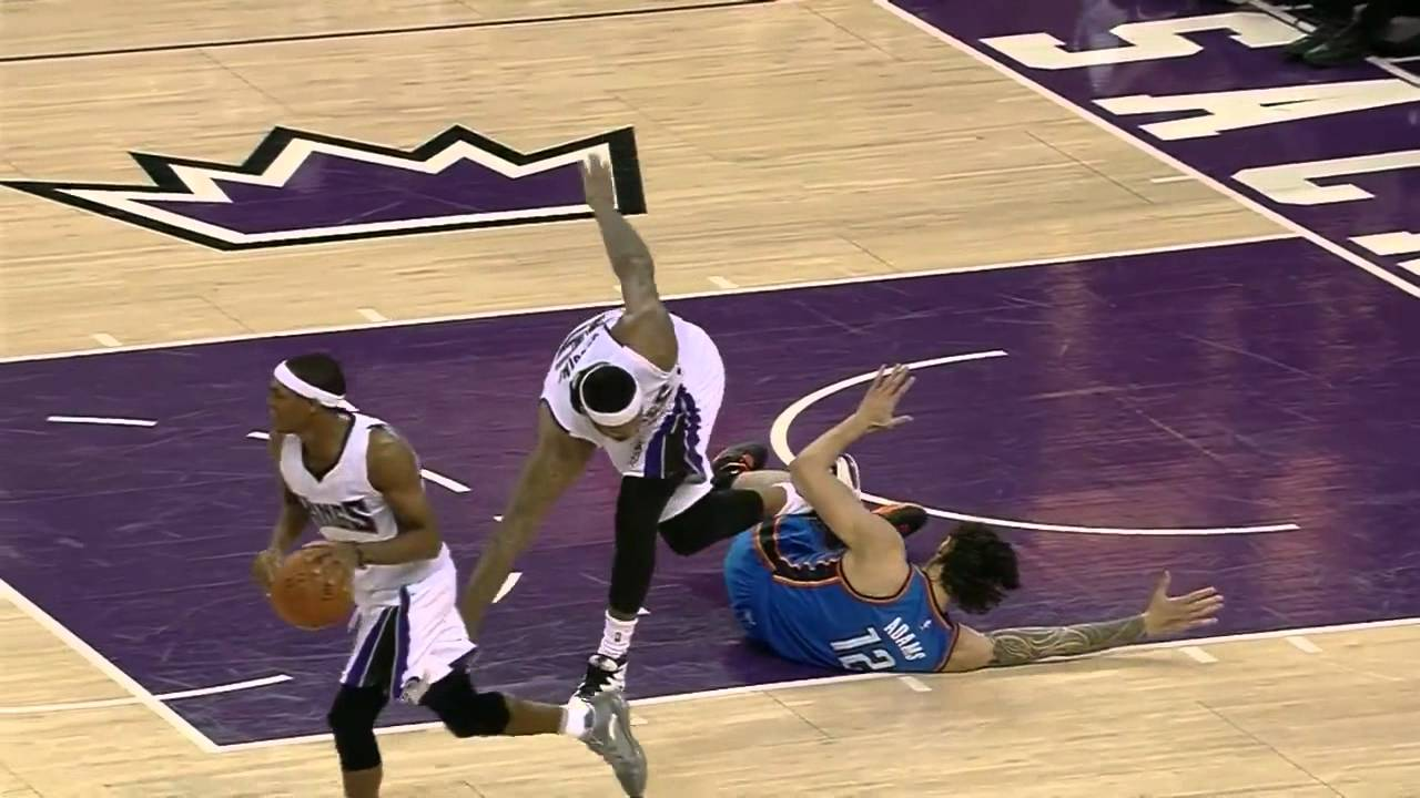 DeMarcus Cousins tossed for elbow to head of Russell Westbrook