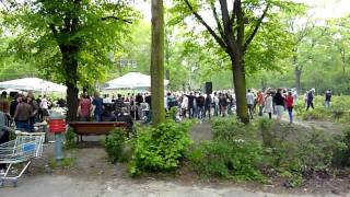 MAYDAY IN kREUZBERG BERLIN ON 1 MAY 2010 PARTY IN THE PARK