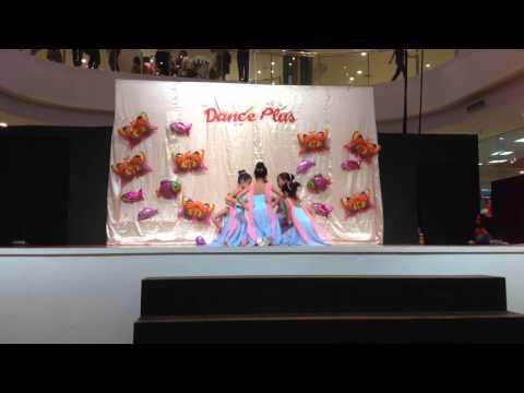 12 Dancing Princesses/ Lollipop - Julia (Ballet)