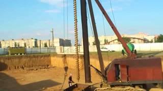 видео Лидерная скважина для забивных свай