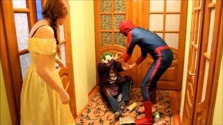 Человек паук Принцесса Аврора против Джокера волшебная еда.