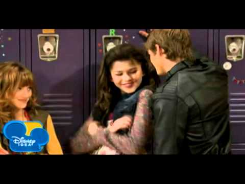 Logan is one lucky d - Shake It Up Discussion