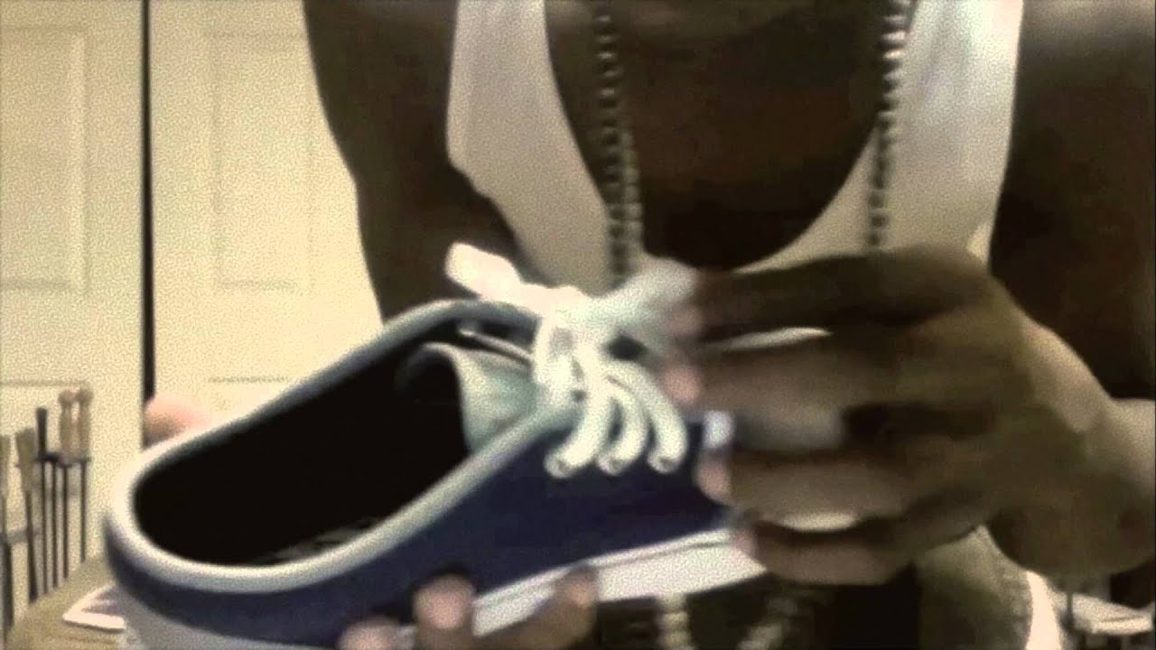 Review) New Style Chukka Low Vs Old 106 Vulcanized Vans - YouTube 5c8a74ced