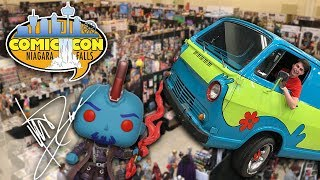 Baixar Looking For The Most Expensive Pops at Comic Con!