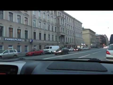 Проезд перекрестков в центре города.