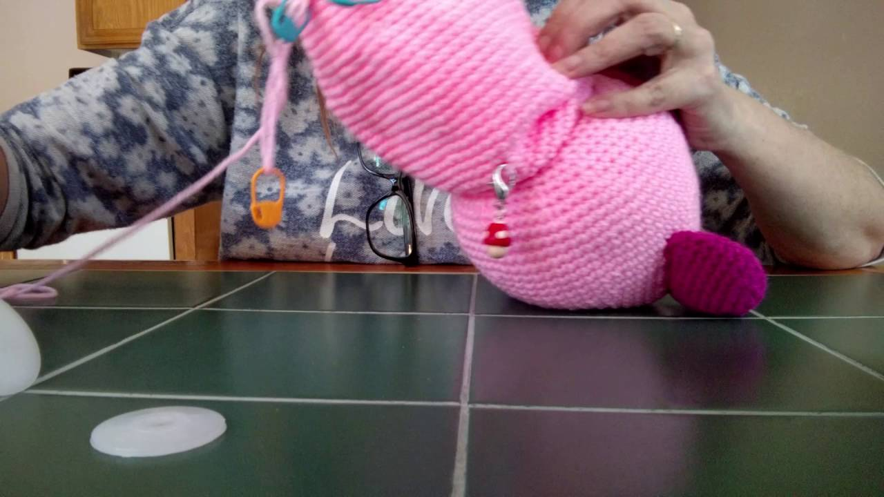 Learn how to button joint your crochet amigurumi so that your ... | 720x1280