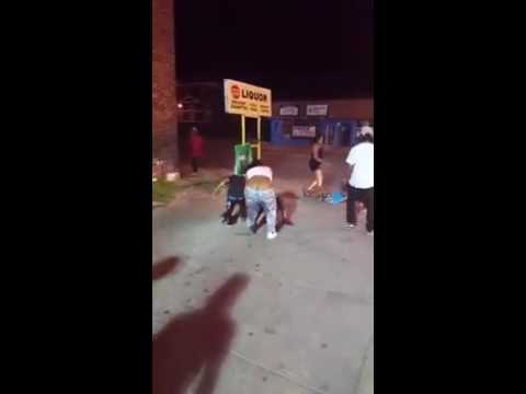 East St.Louis Illinois fight on the duce *****babymama got them hands****
