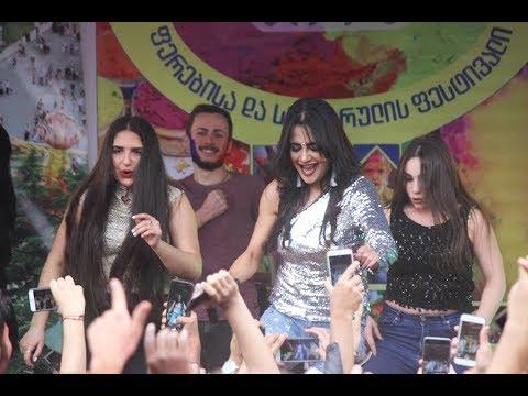 Lizaa Malik  performed with Dance group Lakshmi / Georgia, Tbilisi at Mtatsminda Park / Holi 2018