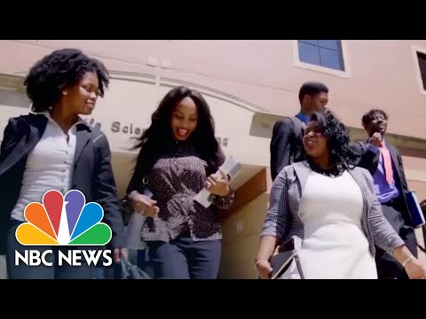 Inside The Program Helping Students Without College Degrees Secure Jobs In Tech | NBC News NOW