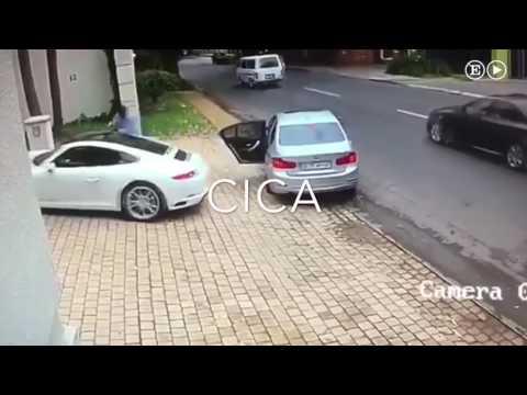 Le quieren robar el Porsche pero no esperaban que el dueño fuese tan buen conductor