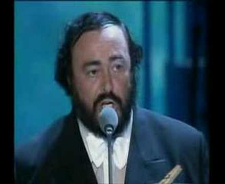 Cuando la fallecida Dolores O'Riordan cantó con Pavarotti