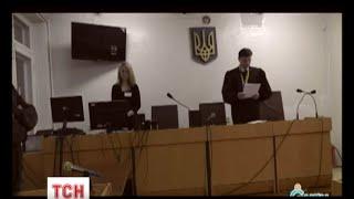 Українські судді легко відпускають на волю відвертих сепаратистів(UA - Українські судді легко відпускають на волю відвертих сепаратистів. Людей, які зрадили Батьківщину і..., 2015-12-27T18:21:36.000Z)