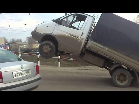 Нелепые ДТП и авто приколы 2016. Автоприколы за рулем, Бабы ТП за рулем #35