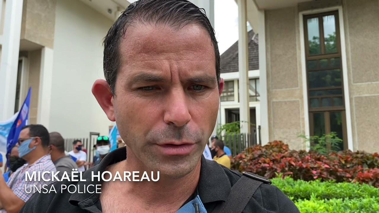 Download Mickaël Hoareau : «on ne comprend pas cette décision de justice»