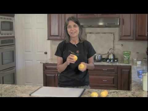 Real Old Fashioned Homemade Lemonade Made with Fresh Lemons