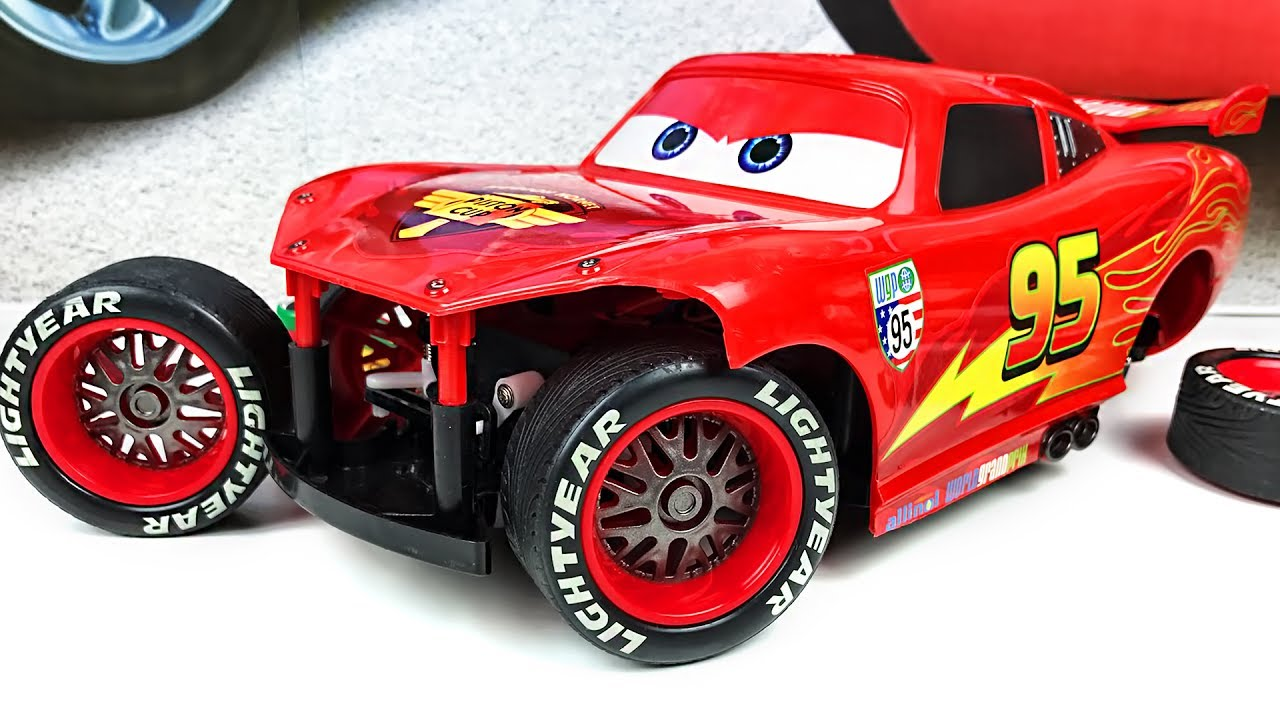 Disney Cars Car Factory Lightning McQueen DISNEY PIXAR CARS 2