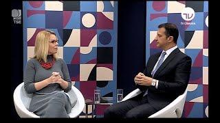 """Rogério Galloro participou do programa da TV Câmara """"O Tema É"""". O assessor especial da Presidência do Tribunal Superior Eleitoral e delegado da Polícia ..."""