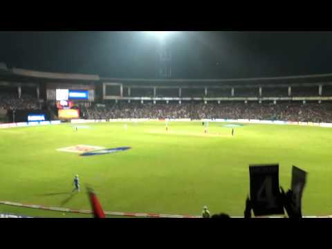 Chris Gayle's HUGE 112m six in CLT20 2011 1st semifinal - RCB vs NSW