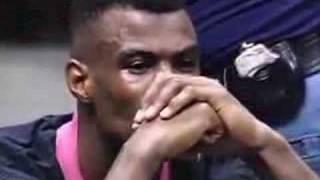 Olajuwon dominates Robinson