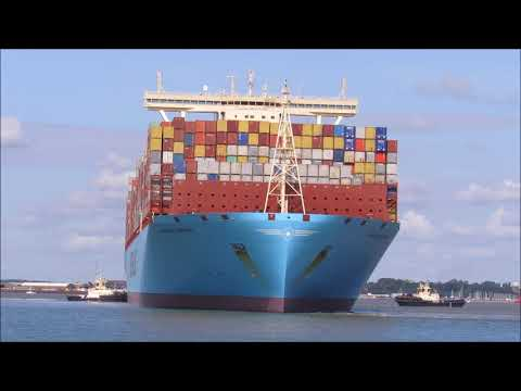 2nd largest container ship Madrid Maersk arrives to Felixstowe. 20th August 2017