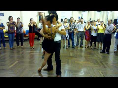 Rumba lớp 4-bài 1- Thầy Đức Thắng- Nhà Văn hóa lao động - Tháng 10/2012