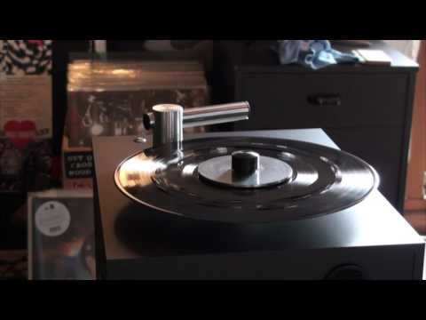 Pro-ject VC-s  ( RCM) Record clean machine in action