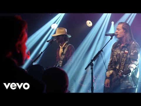 Florida Georgia Line - Round Here (Live on the Honda Stage at the iHeartRadio Theater NY)