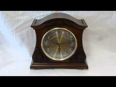 Versailles Joyful Mantle clock