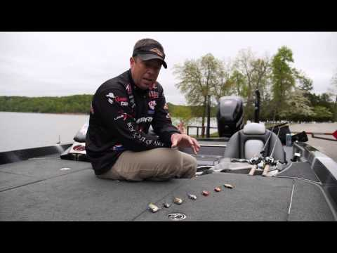 Choosing The Right Color For Lipless Crankbaits. How To Pick The Best Color For The Conditions.