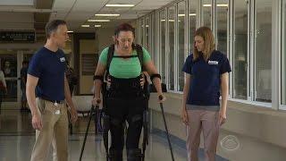 Olympian Amy Van Dyken takes big steps in recovery
