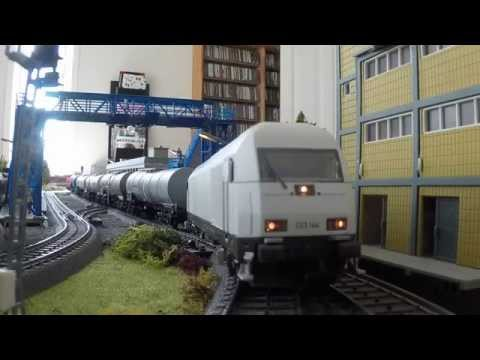 Unboxing PIKO 57398 - Siemens ER20 223 144 Neutral livery - AC H0 Scale