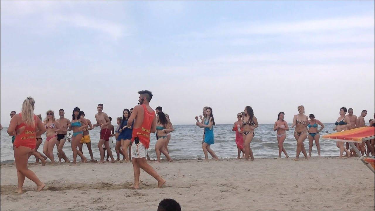 Bagno Conchiglia Casalborsetti Foto Zumba : Animazione balli di gruppo bagno no problem rimini