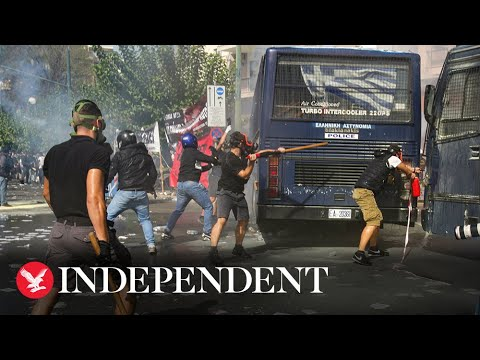 Download Violent clashes break out after Golden Dawn ruled a criminal organisation
