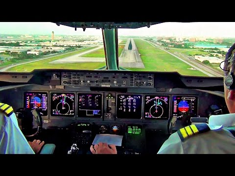 MD-11 Cockpit View - Landing in Miami,  Martinair Cargo