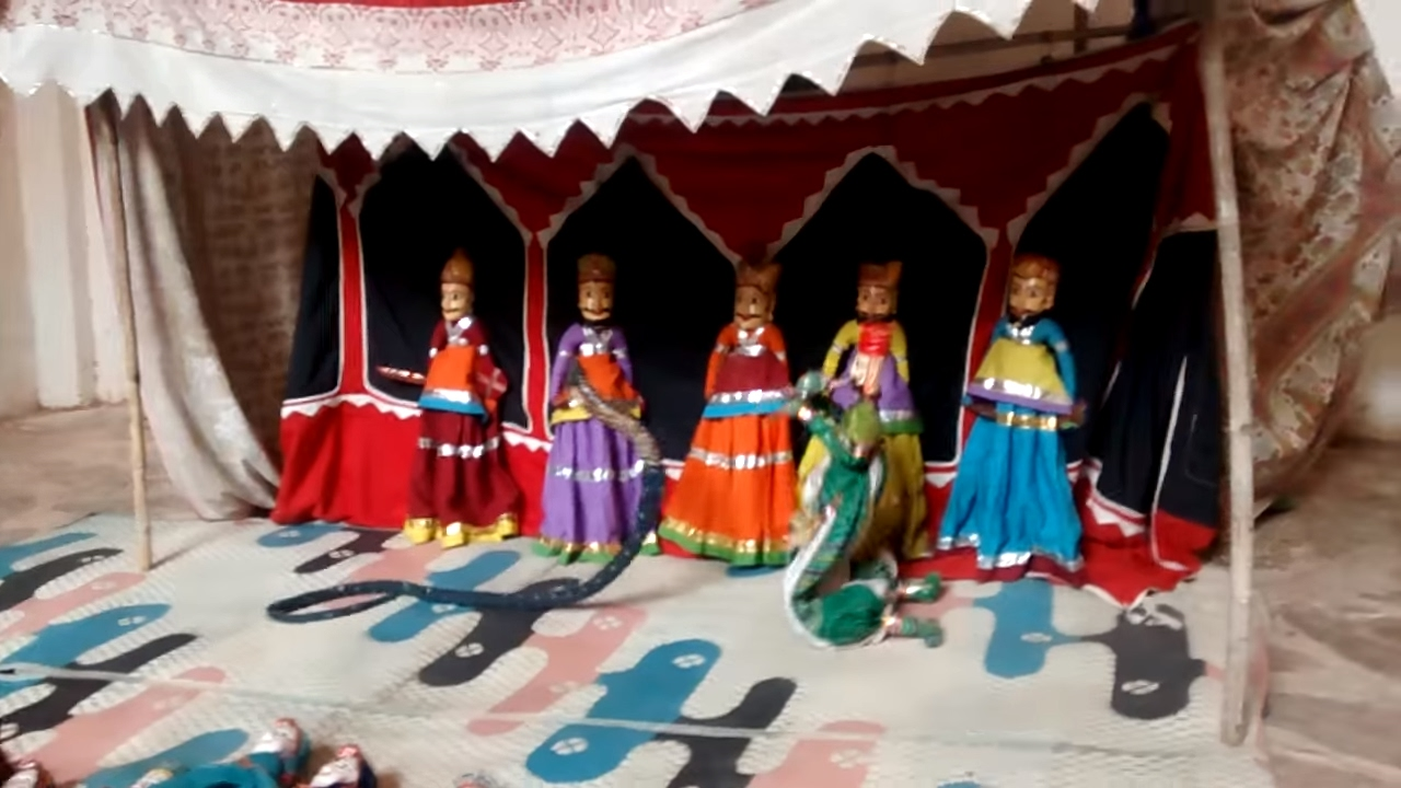 Rajasthan puppet show in Amer Fort, jaipur video - YouTube