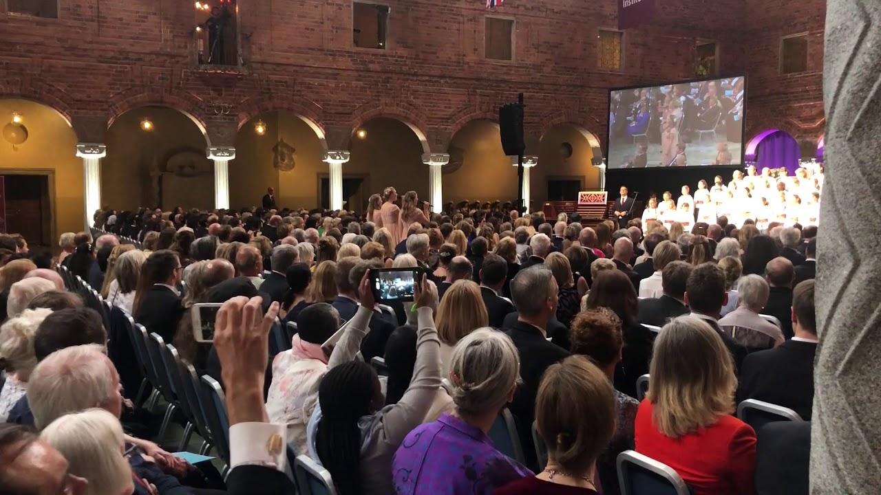 The Hebbe sisters & Adolf Fredriks Flickkör - Värmlandsvisan (Live Blå  Hallen)