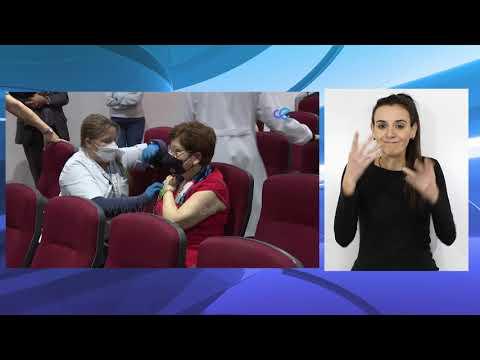 Salvadora Mateos se vacuna