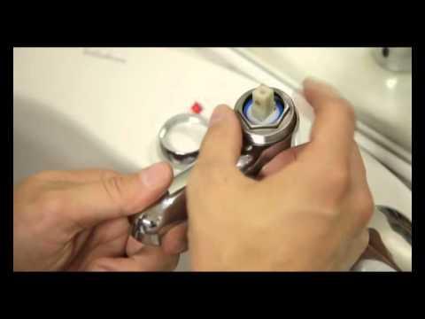 rparer un robinet qui fuit en changeant la cartouche du mitigeur