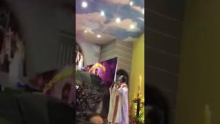 Linh mục mặc áo lễ nhảy  với nhạc mừng Chúa Phục Sinh =62-22645=