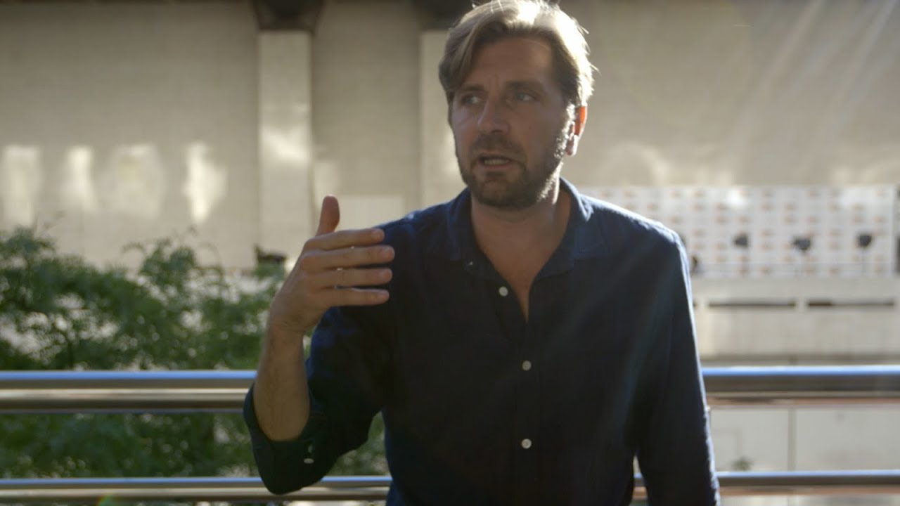 Ruben Östlund on Confronting His Audience with 'The Square' | NYFF55