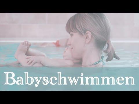 Babyschwimmen - Ella  und Mama haben Spaß!!