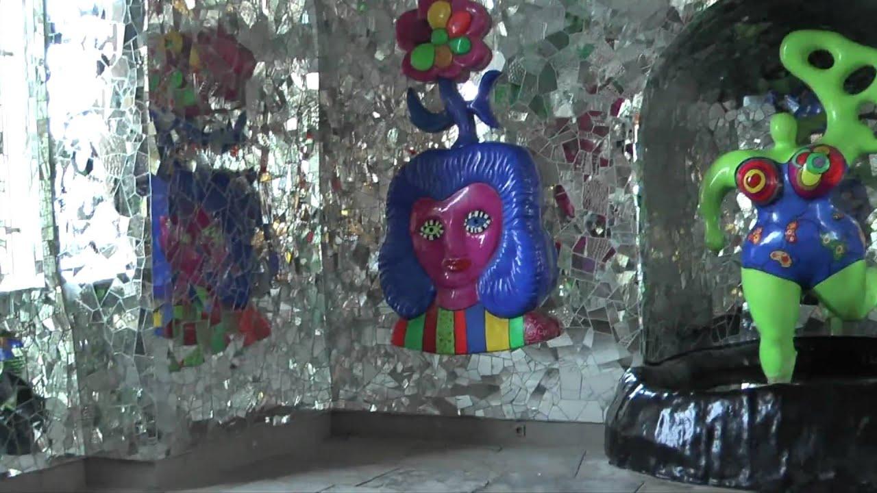 Niki de Saint Phalle Grotte und Nanas