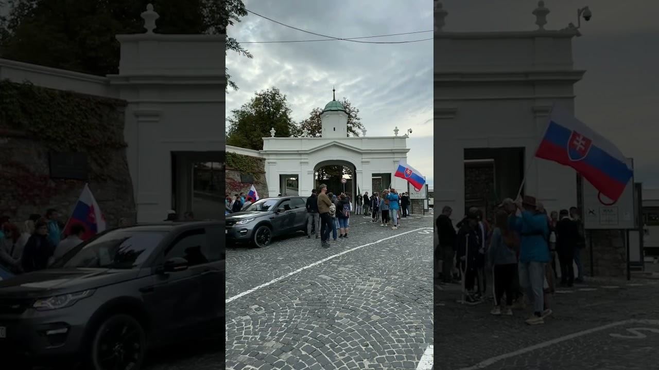Download 24.9.2021 Bratislava další protest pred NR SR sa práve začal