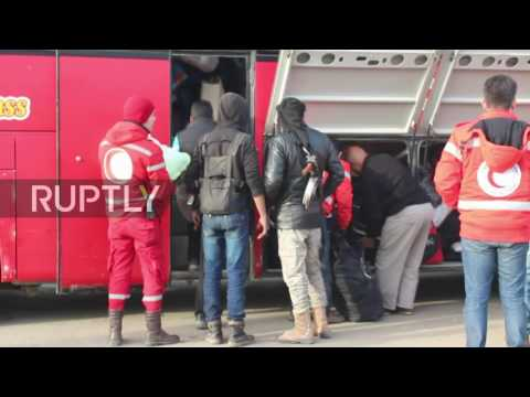 Syria: Russian soldiers secure evacuation of militants and their families from Homs