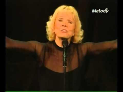 Isabelle Aubret   C'est Beau La Vie 480p