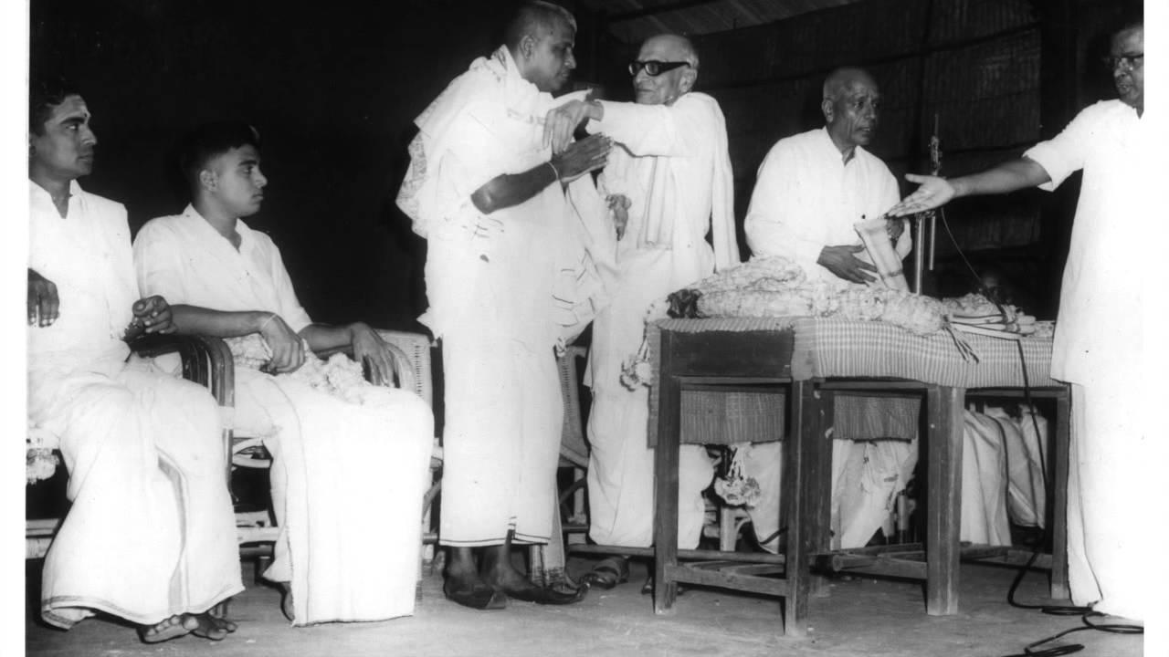 Palghat Mani Iyer - Thani Avarthanam in Ariyakudi's Concert