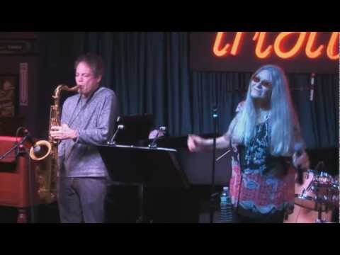 Donna Jean Godchaux Band feat. Jeff Mattson - Eyes of The World - IridiumLive 10 26 2012