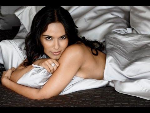 Dilshad Vadsaria Hottest Bikini Moments