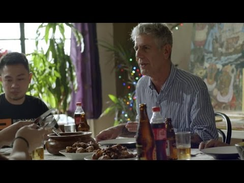 Anthony Bourdain: 'Filipinos love feeding people' (Parts Unknown: Manila)