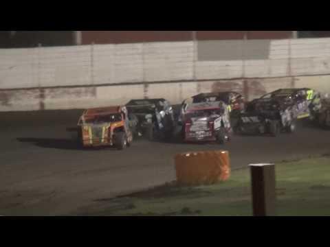 "IMCA Modified ""Liberty 100"" feature West Liberty Raceway 9/24/16"